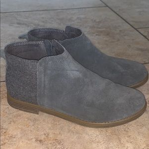 Toms Grey Booties. Youth size 6. Fits women 8